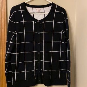 XX-LARGE Blk/ white button down sweater